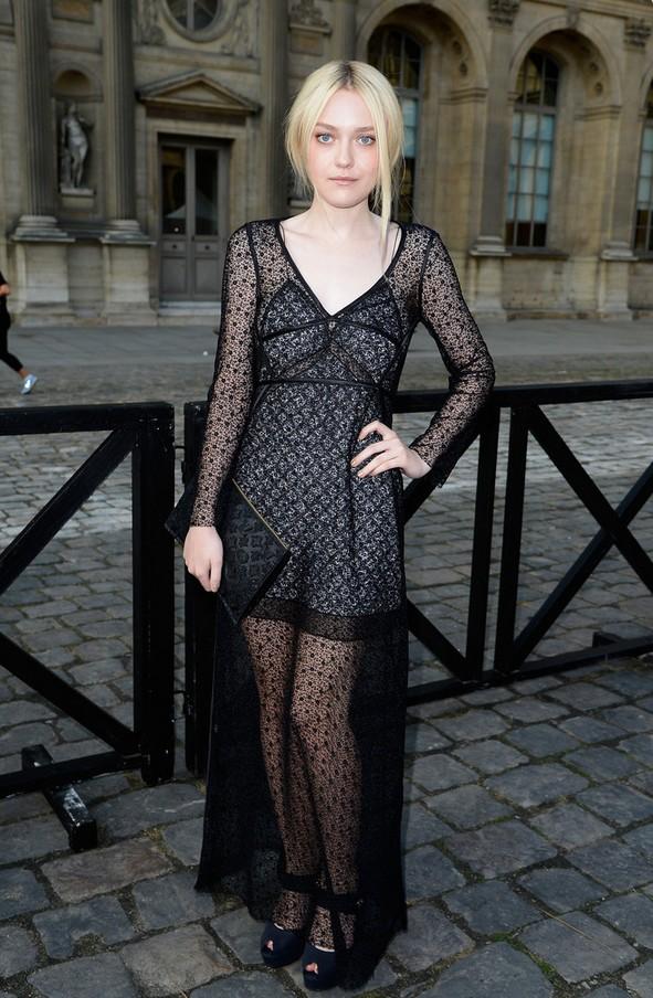 Dakota Fanning: Black Lace-overlay Louis Vuitton Evening Dress