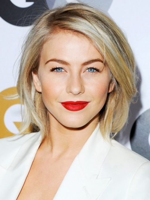 Hairstyles for 2014: Easy Daily Short Straight Hairstyle from Julianne Hough