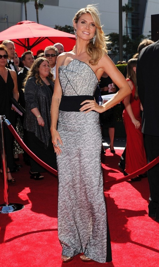 Heidi Klum: Roland Mouret Strapless Dress with a Geometric Neckline
