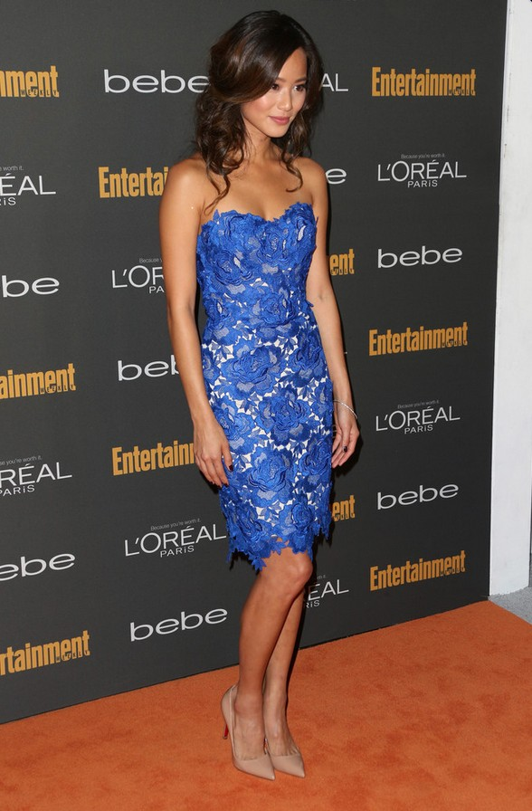 Jamie Chung: Strapless Blue Lace Dress by Oliver Tolentino