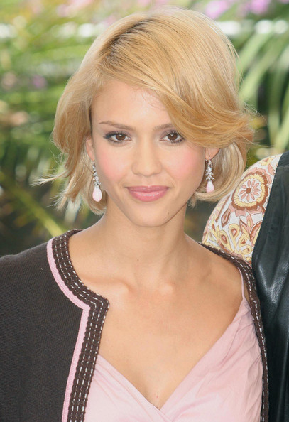 Jessica Alba Short Hairstyles: Chin-length Layered Blonde Bob with Side-Swept Bangs