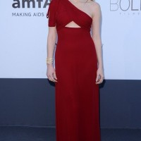 Jessica Chastain: Red One Shoulder Dress