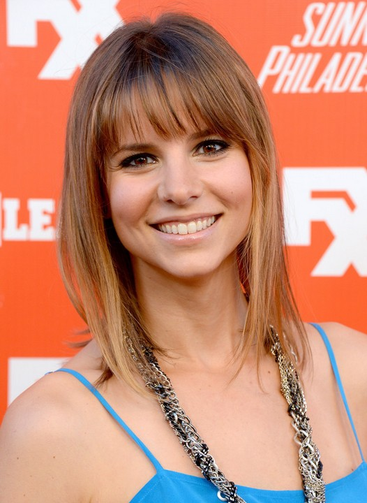 Jill Latiano Haircuts: Cute Highlighted Brunette Medium Length Hairstyle for women