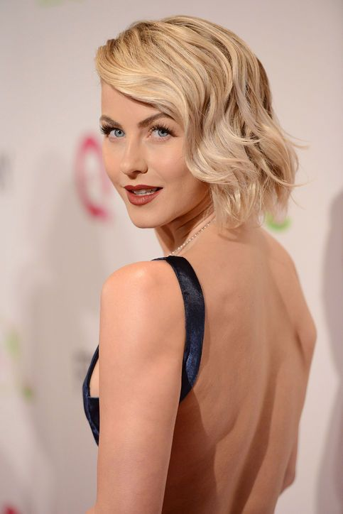 Julianne Hough Retro Hairstyle - Wavy Bob
