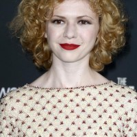 Kasha Kropinski's Short Curly Hairstyle: Lovely And Fab