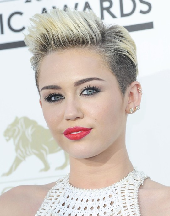 Miley cyrus hairstyle 2014 cool and stylish short haircut for miley cyrus hairstyle 2014 cool and stylish short haircut for women urmus Gallery
