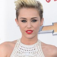 Miley Cyrus Short Haircut: Platinum Dip Dye Pixie Cut