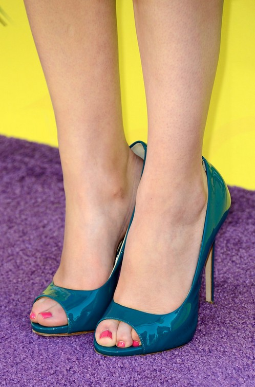 Miranda Cosgrove's Peep Toe Pumps