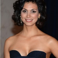 Morena Baccarin's Short Curly Hairstyle: Black but Gorgeous