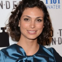 Morena Baccarin's Short Curly Hairstyle: Creative and Gloss