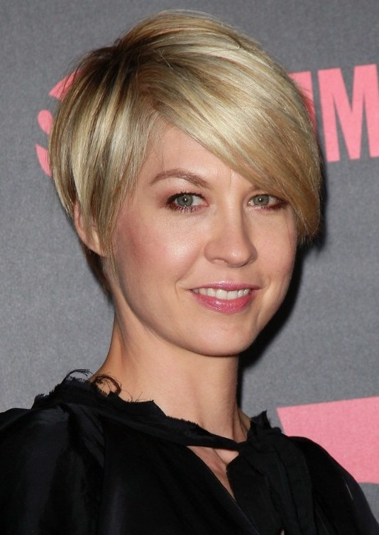 10 straight hairstyles for short hair short haircuts for 2014 most popular short hairstyle for 2014 cute short hairstyle with bangs urmus Image collections