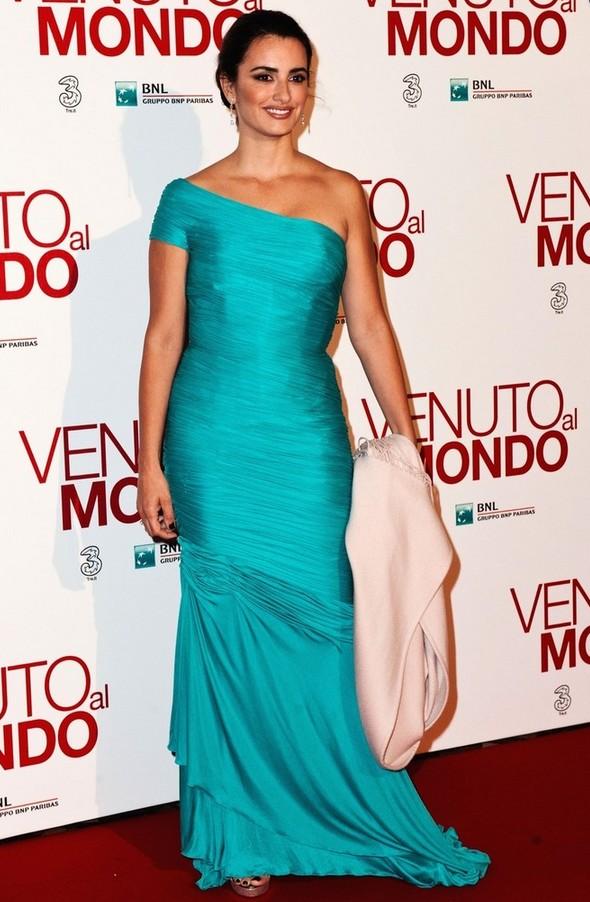 Penelope Cruz: Vintage Aqua Versace One Shoulder Dress