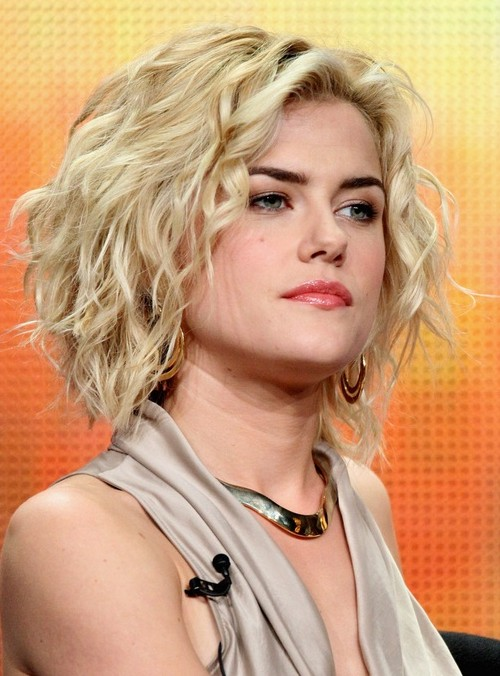 Rachael Taylor's Hairstyle: Short Tousled Curly Hairstyle for Women