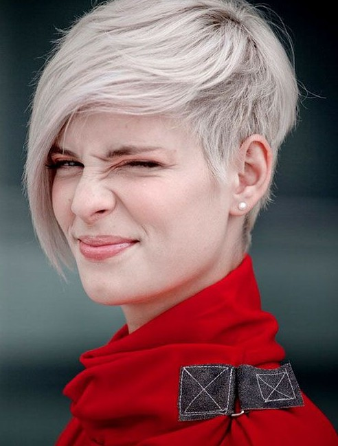 Remarkable Short Blonde Emo Hairstyle For Women Cool Short Hairstyle With Hairstyles For Women Draintrainus