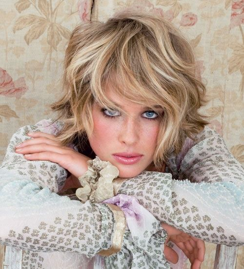 Wavy Choppy Hairstyles : Blond short wavy choppy hairstyle