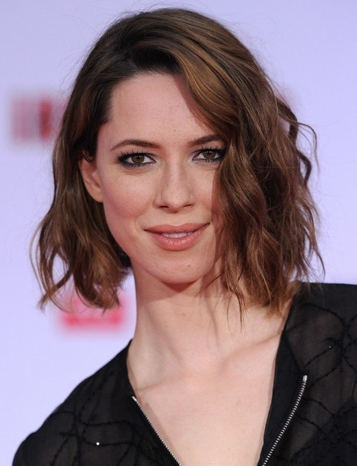 Side Parted Soft Wavy Bob Hair with Long Bangs