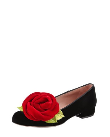Side View of the RED Valention Velvet Rose Smoking Slipper,Black