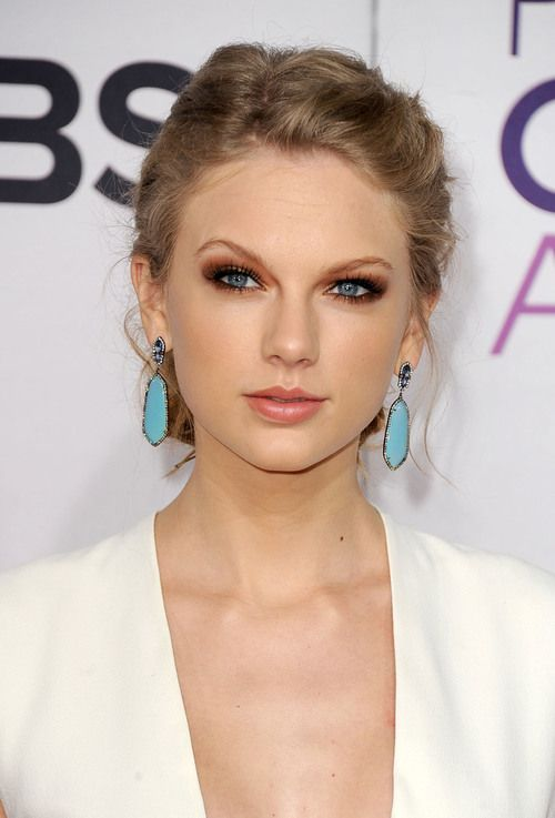 Terrific Taylor Swifts Hairstyles From Casual Ponytails To Graceful Up Hairstyles For Men Maxibearus
