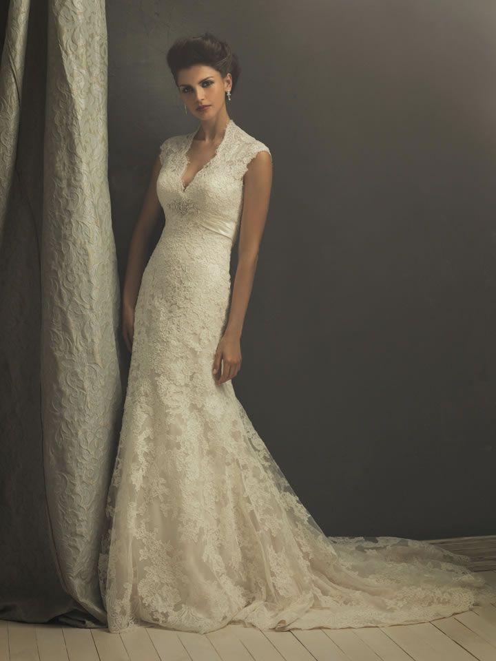 Retro Lace V-shape Wedding Dress