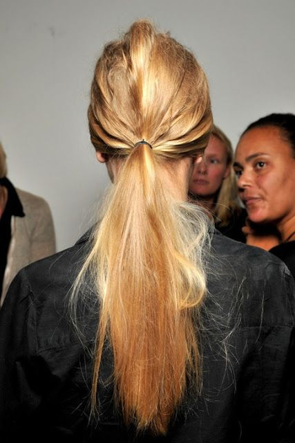 Weekend Hairstyle - The Pulled-apart Ponytail