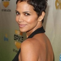 Halle Berry Short Haircut:Tousled Brunette Pixie Cut