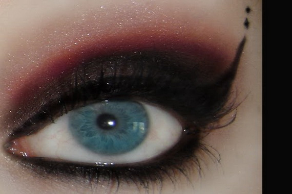 unique gothic eyes makeup
