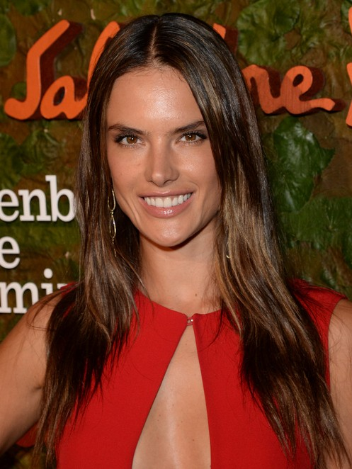 2014 Alessandra Ambrosio Hairstyles: Center Part Hairstyle for Straight Hair