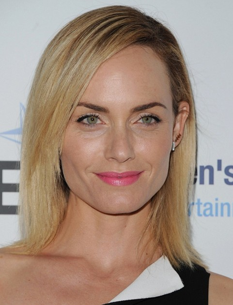 2014 Amber Valletta Medium Hairstyles: Blonde Straight Hair
