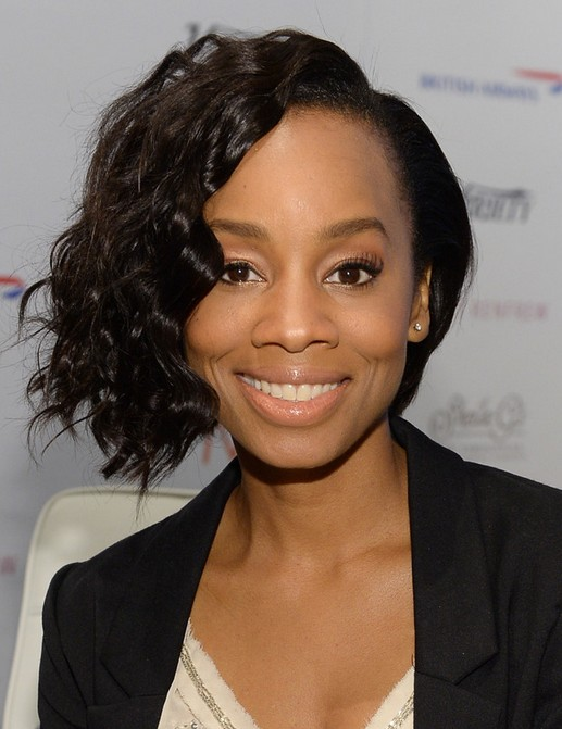 2014 Anika Noni Rose's Short Hairstyles: Voluminous Wavy Hair