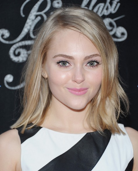 2014 Anna Sophia Robb Medium Hairstyles