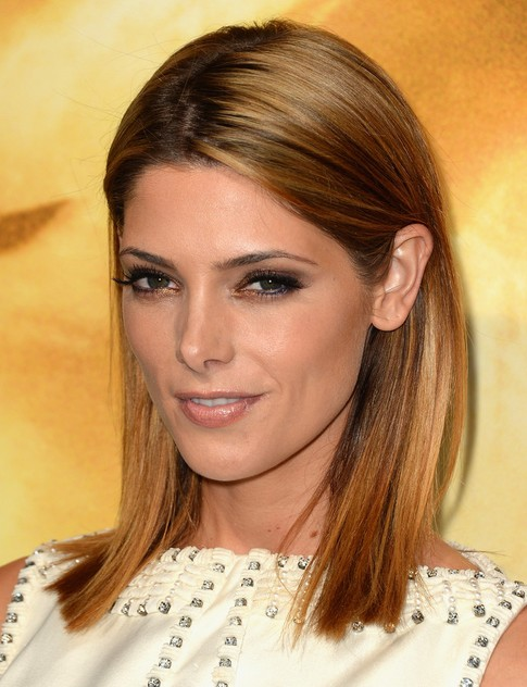 2014 Ashley Greene Medium Hairstyles: Blunt Haircut for Straight Hair