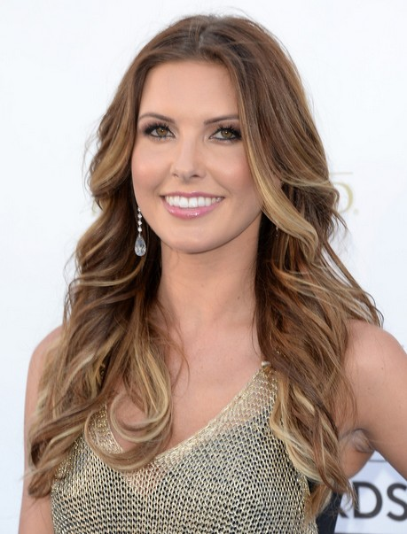 2014 Audrina Patridge Hairstyles: Tousled Two-tone Hair