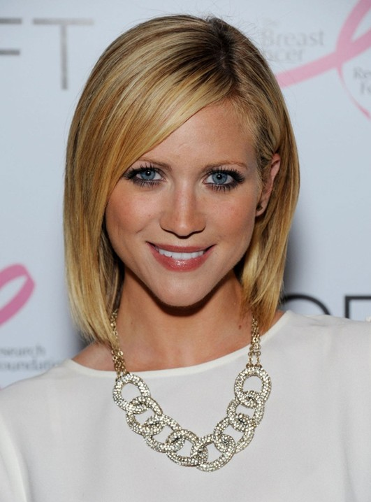 2014 Brittany Snow's Short Hairstyles: Easy Cute Asymmetrical Bob