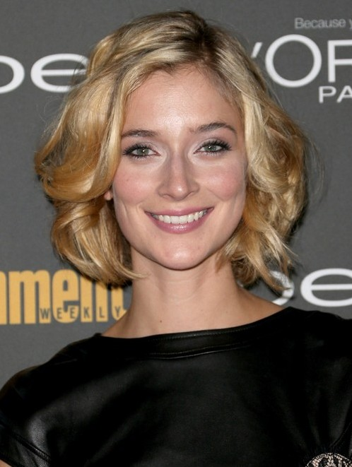 2014 Caitlin Fitzgerald's Short Hairstyles: Soft and Feminine Short Haircut