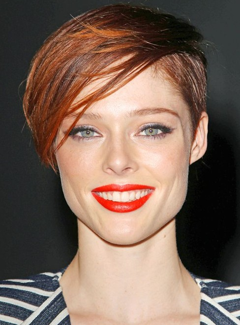 2014 Coco Rocha's Short Hairstyles: Cute Matural Pixie Cut with Side Bangs