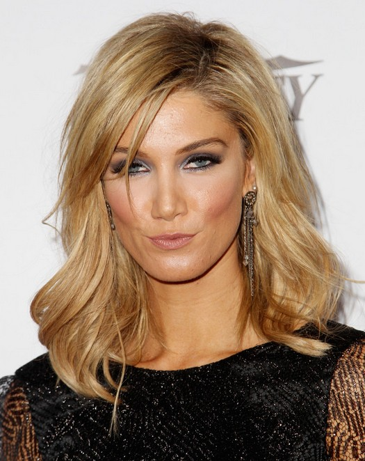 2014 Delta Goodrem Medium Hairstyles: Luscious Heavy Waves