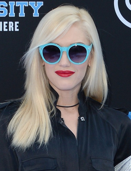 2014 Gwen Stefani Hairstyles: Blunt Medium Haircut