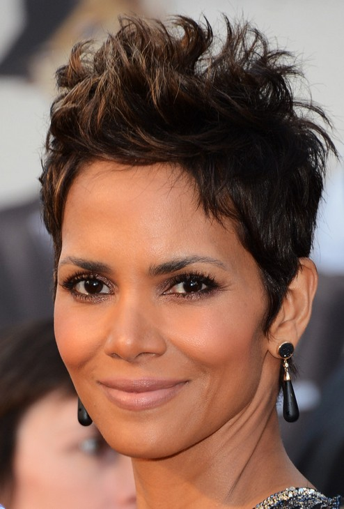2014 Halle Berry's Short Hairstyles: Boyish Pixie