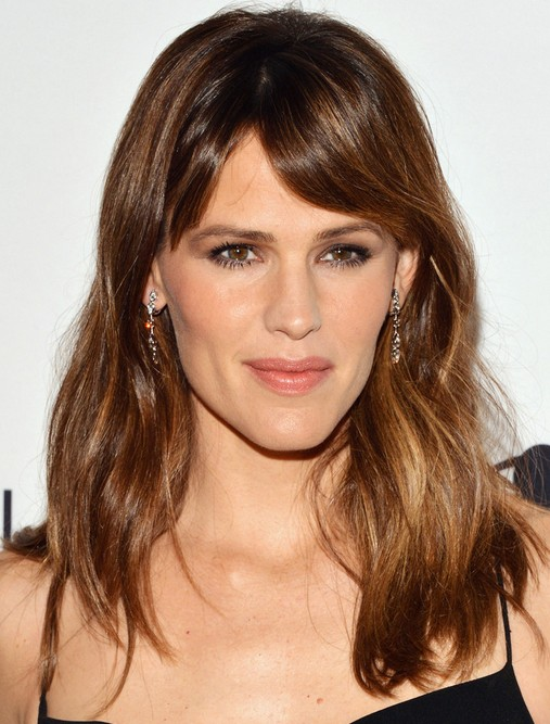 2014 Jennifer Garner Medium Hairstyles: Loose with Side Bangs