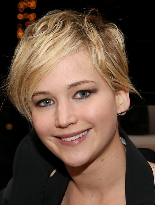 2014 jennifer lawrence hairstyles cute pixie haircut with side swept fringe pretty designs. Black Bedroom Furniture Sets. Home Design Ideas
