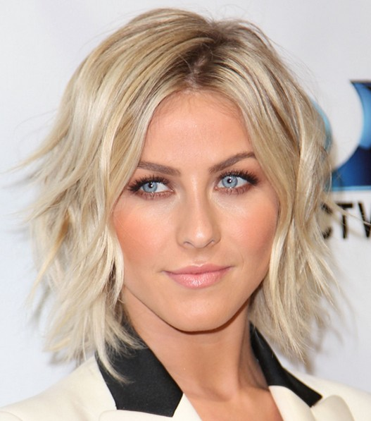2017 Julianne Hough S Short Hairstyles Dreamy Shoulder Length Layered Bob