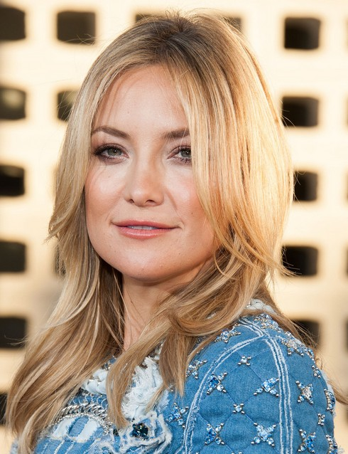 2014 Kate Hudson Hairstyles: Center Part