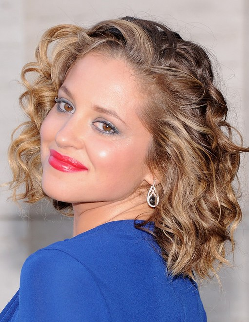 2014 Margarita Levieva Medium Hairstyles: Large Curls