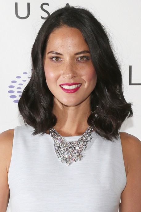 2014 Olivia Munn Hair style: Medium Curly Hair cut