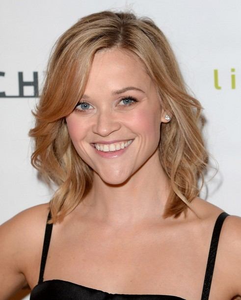 2014 Reese Witherspoon Hairstyles: Easy Medium Haircut