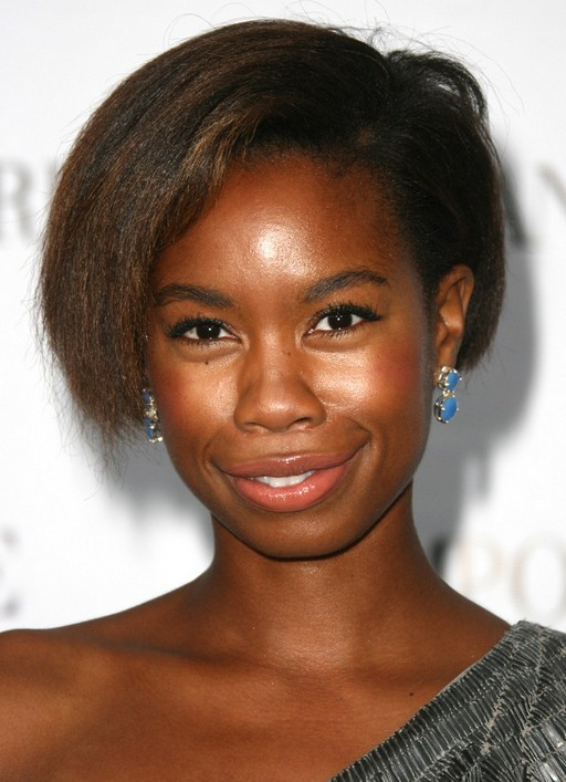 2014 Tolula Adeyemi's Short Hairstyles: Side Bangs