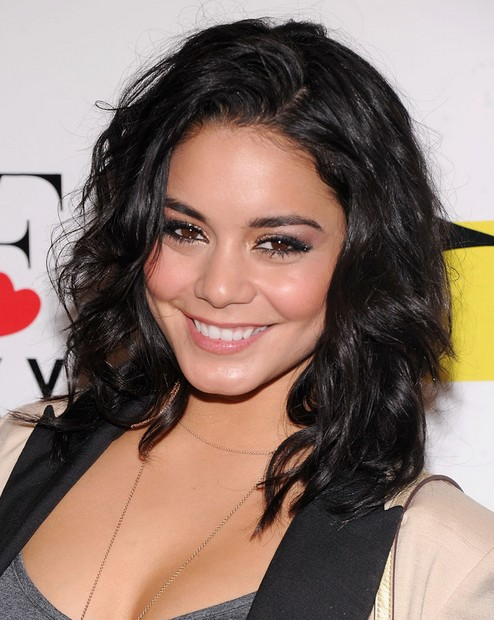 2014 Vanessa Hudgens Medium Hairstyles