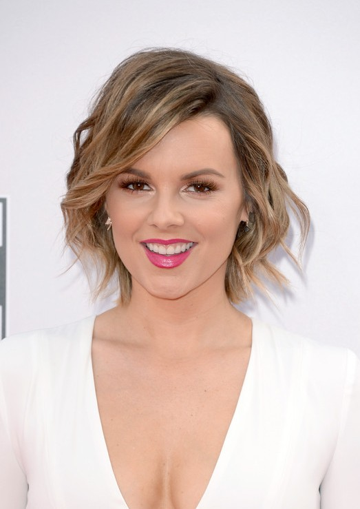 30+ Short Hairstyles To Try This Summer - Style Arena