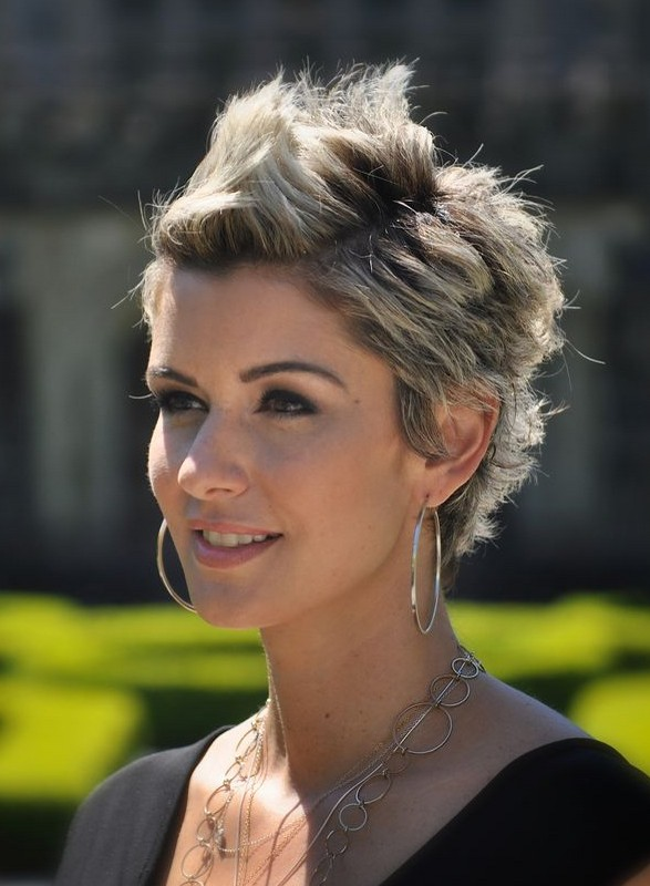 most short hairstyles for women 2014