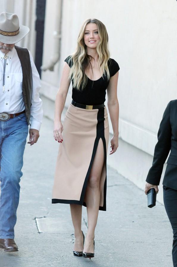 13 Ultra-elegant Knee-length Skirts for 2014